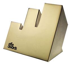 Nagroda Effie Awards brąz dla Żywiec Zdrój w postaci złotobrązowej bryły